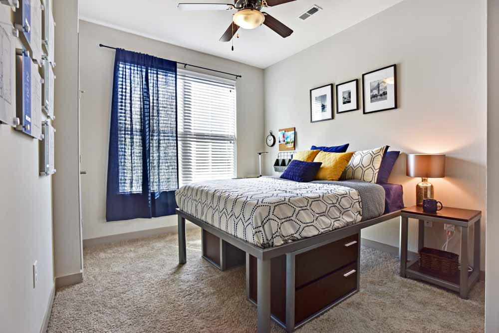 The-Standard-St-Louis-MO-Bedroom-Unilodgers
