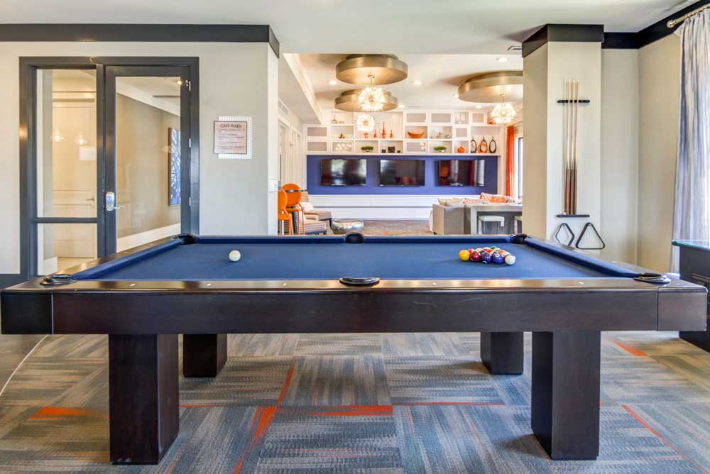The-Standard-St-Louis-MO-Pool-Table-Unilodgers