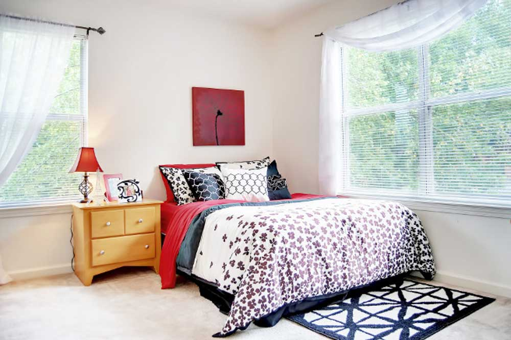 The Townhomes at River Club-Athens-GA-Bedroom-Unilodgers
