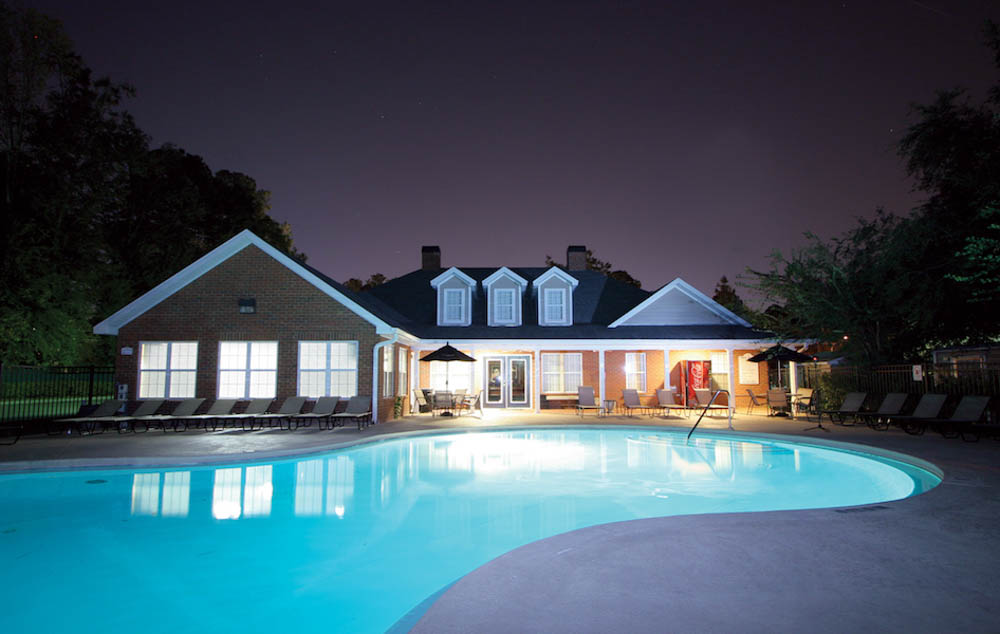 Torchlight-Townhomes-Tallahassee-FL-Swimming-Pool-Unilodgers