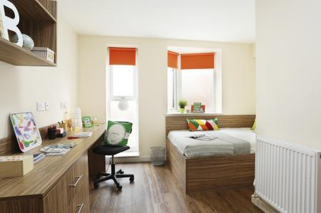 Trinity-Hall-Chester-Deluxe-En-Suite-2-Unilodgers-14960630924