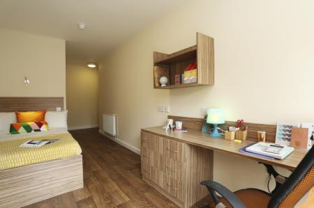 Trinity-Hall-Chester-Deluxe-En-Suite-2-Unilodgers-14960630927
