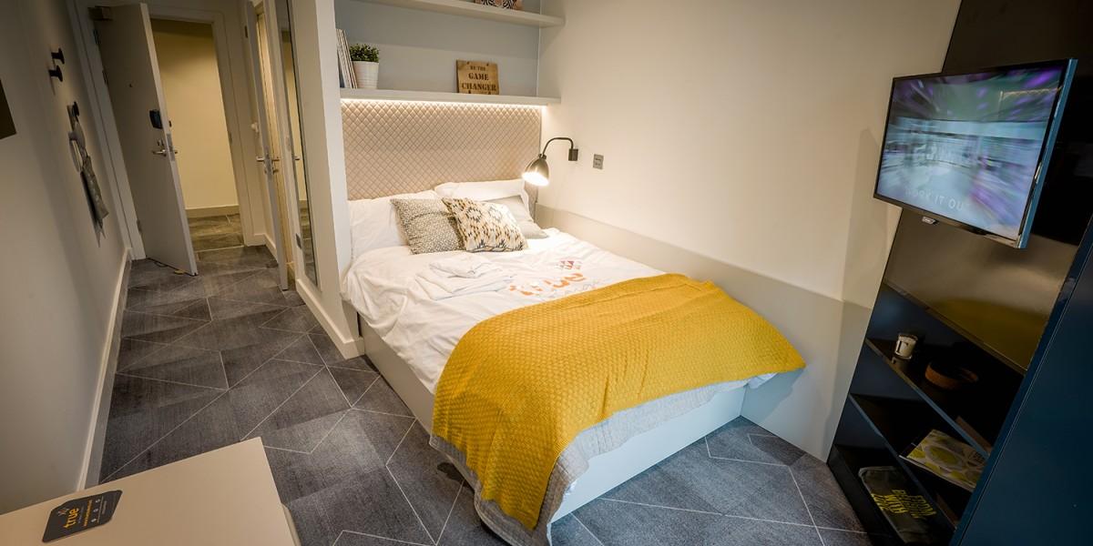 True-Glasgow-West-End-Bedroom-Unilodgers