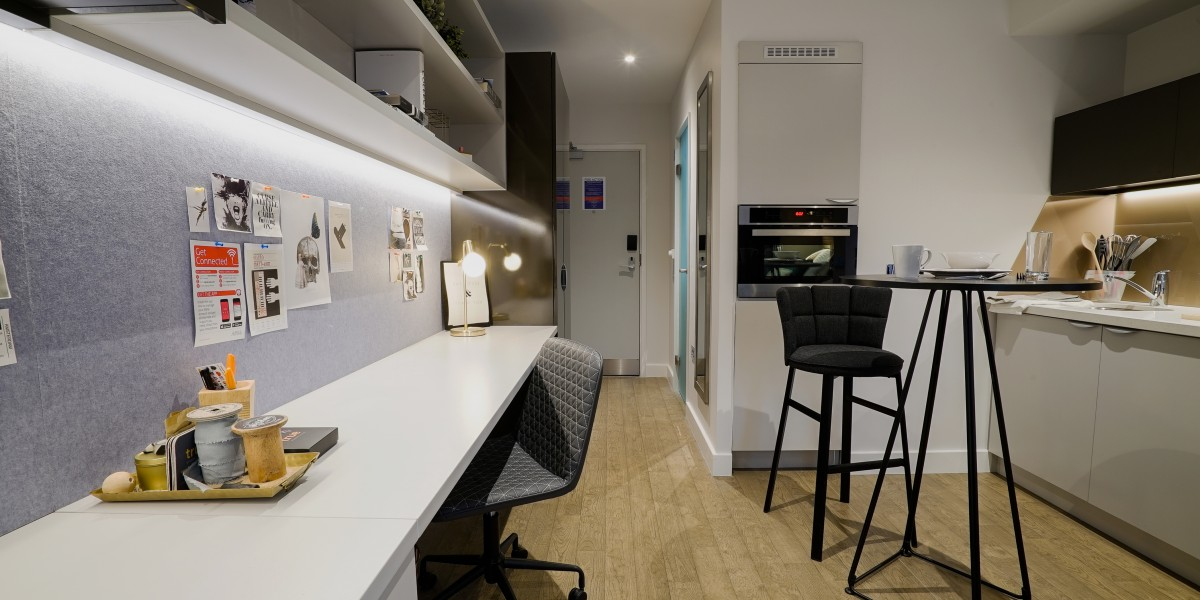 True-Glasgow-West-End-Study-Area-With-Breakfast-Bars-Unilodgers