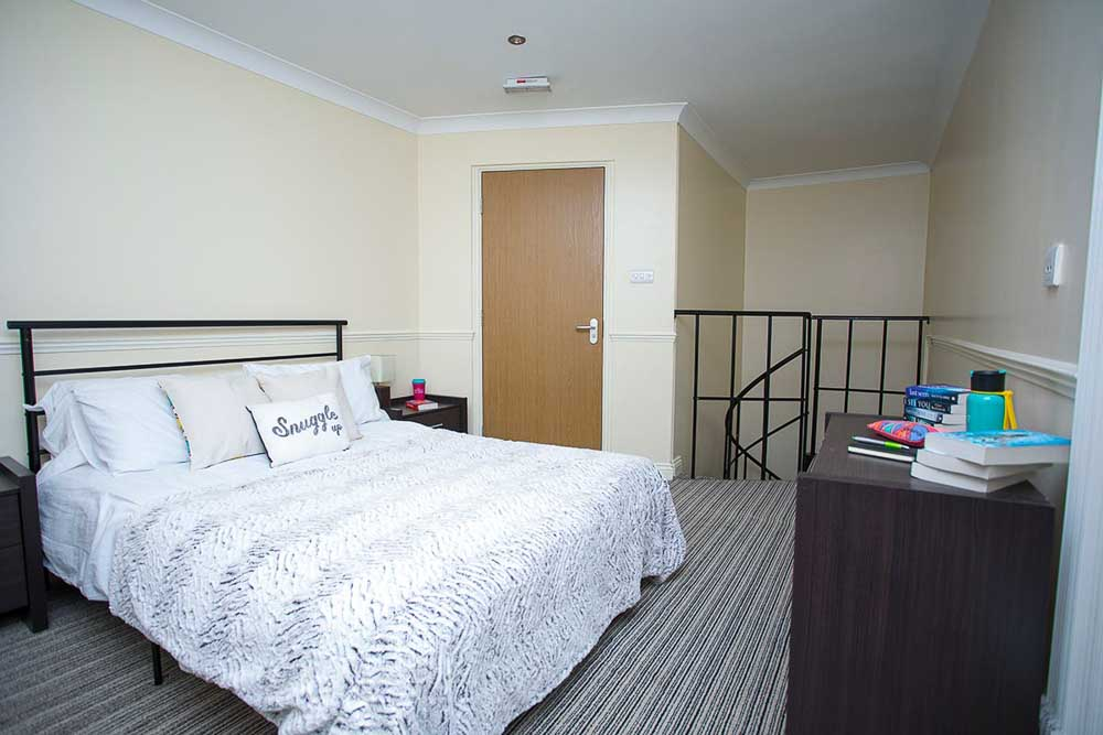 Truro-Court-Sheffield-Deluxe-Apartment-Unilodgers