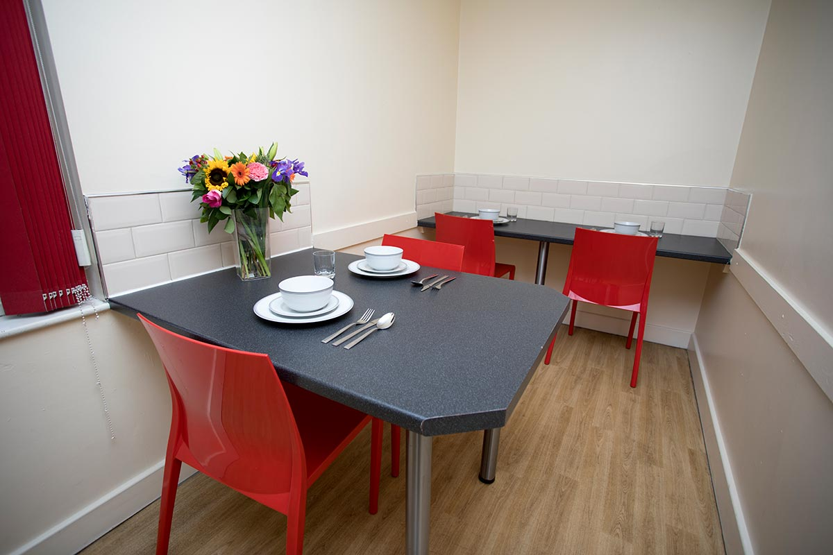 Truro-Court-Sheffield-Dining-Area-Unilodgers