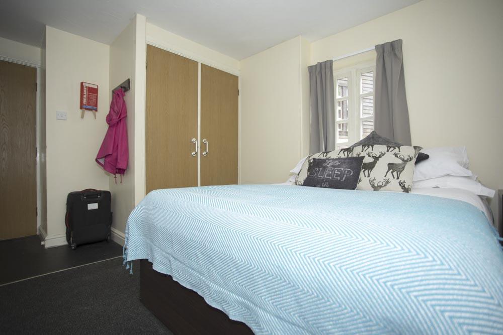 Truro-Works-Sheffield-Bedroom-2-Unilodgers