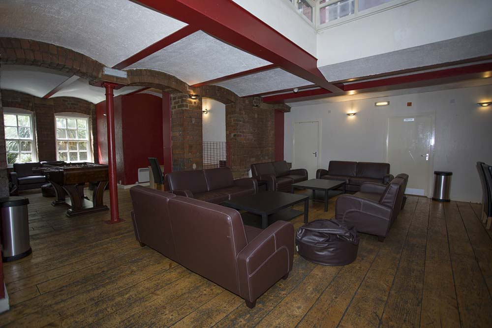 Truro-Works-Sheffield-Common-Room-Unilodgers