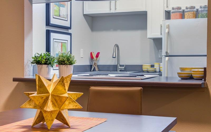 U-District-Student-Housing-Apex-Apartments-Seattle-WA-Kitchen-Unilodgers