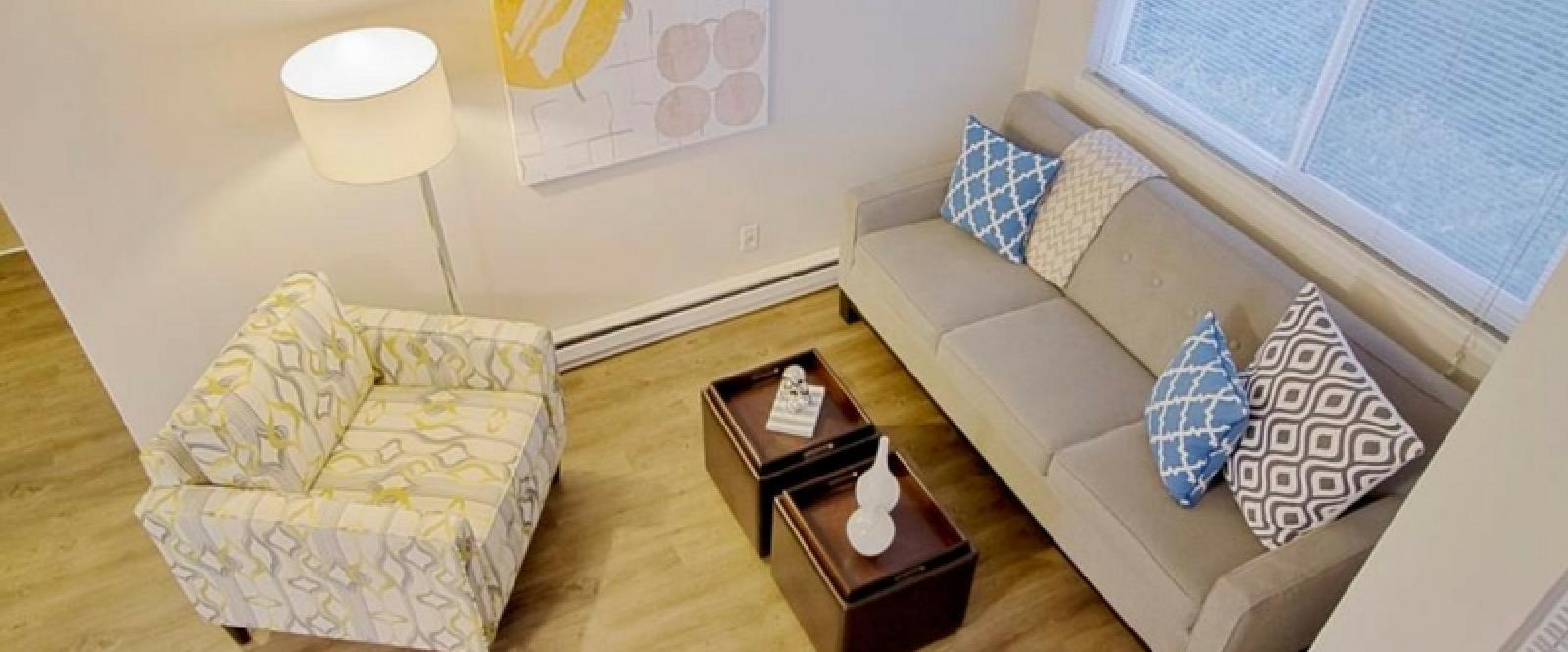 U-District-Student-Housing-Apex-Apartments-Seattle-WA-LivingRoom-Unilodgers