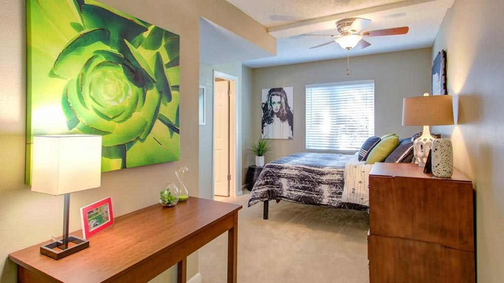 ULake-Apartments-Tampa-FL-Bedroom-2-Unilodgers