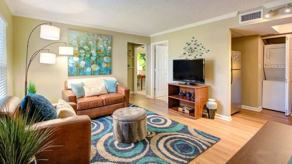 ULake-Apartments-Tampa-FL-Living-Area-Unilodgers