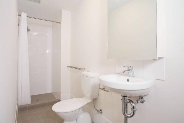 Unilodge-Metro-Adelaide-Bathroom-Unilodgers