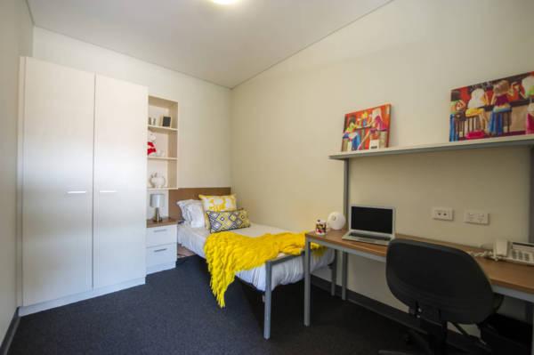Unilodge-Metro-Adelaide-Bedroom-1-Unilodgers