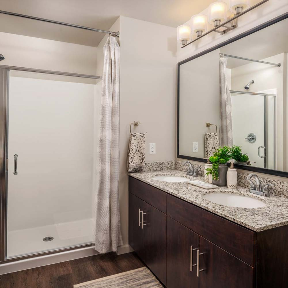 Union-Tempe-Tempe-AZ-Bathroom-Unilodgers