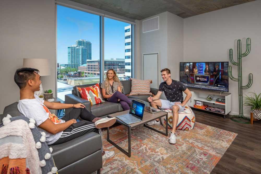 Union-Tempe-Tempe-AZ-Living-Area-With-TV-Unilodgers