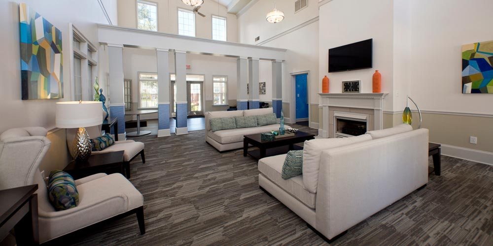 University Courtyard Newark Student Apartments - DE ...
