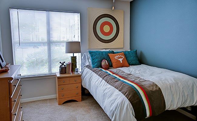 University-Estates-At-Austin-TX-Bedroom-Unilodgers