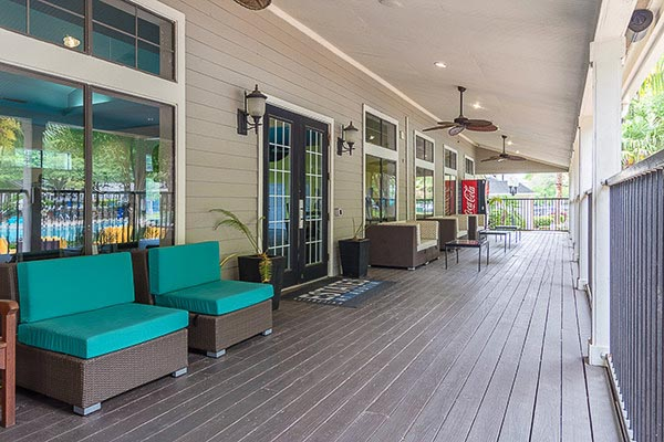 University-Estates-At-Austin-TX-Outdoor-Community-Lounge-Unilodgers