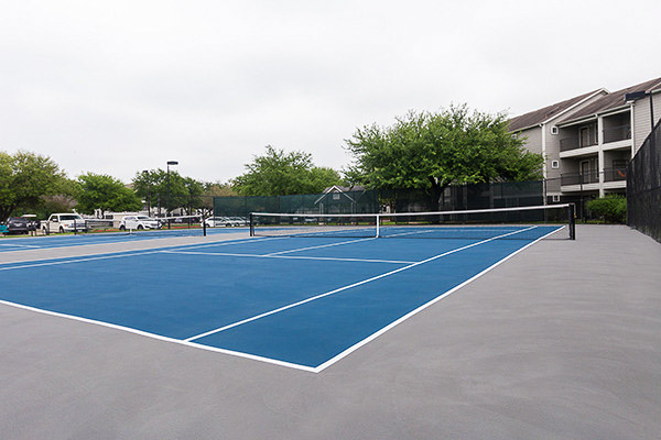 University-Estates-At-Austin-TX-Tennis-Court-Unilodgers
