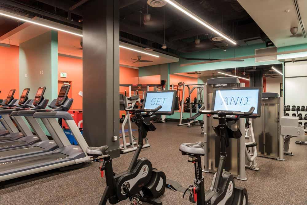University-Gateway-Los-Angeles-CA-Gym-Unilodgers