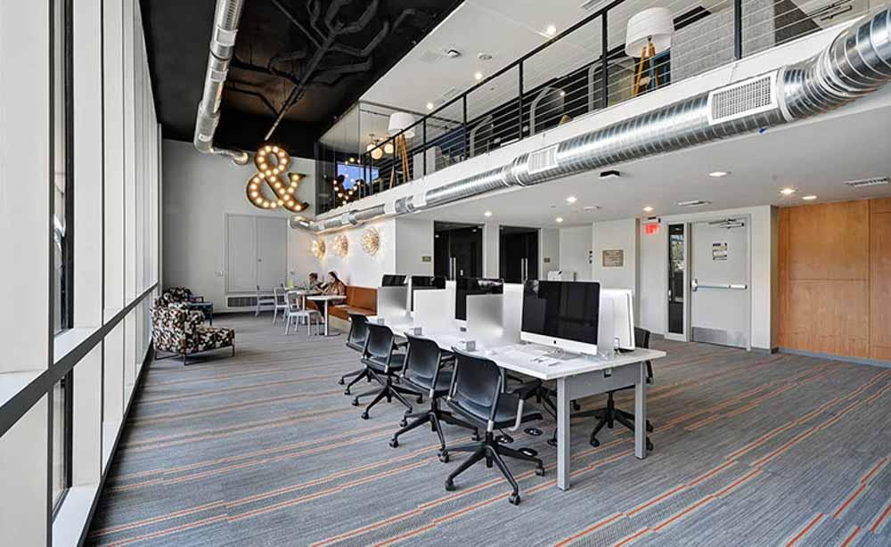 University-House-Austin-TX-Computer-Lounge-Unilodgers
