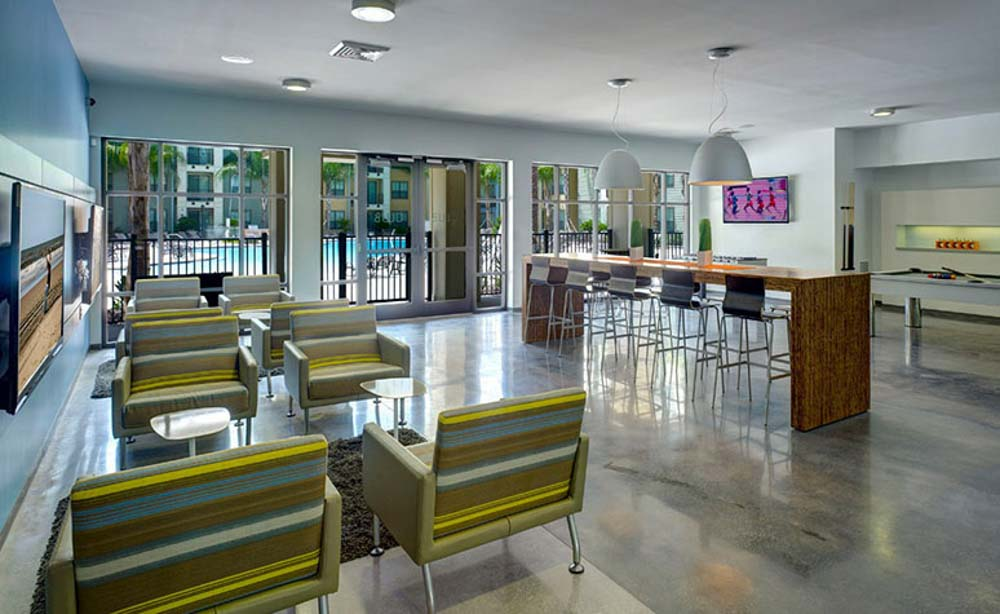 University-House-Central-Orlando-Florida-FL-Common-Room-2-Unilodgers