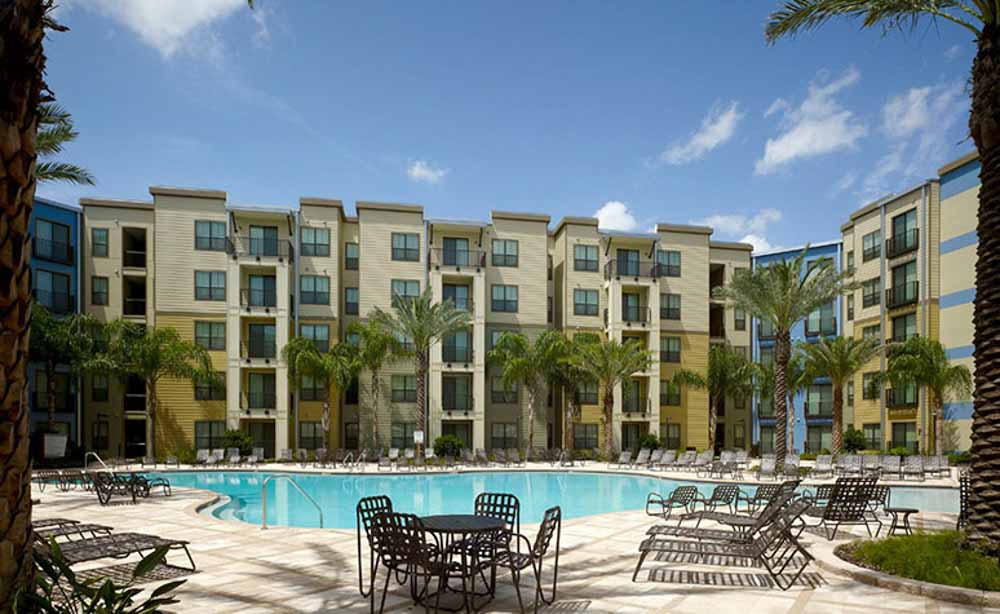 University-House-Central-Orlando-Florida-FL-Swimming-Pool-With-Outdoor-Courtyard-Unilodgers