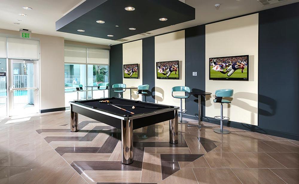 University-House-Fullerton-CA-Pool-Table-Unilodgers