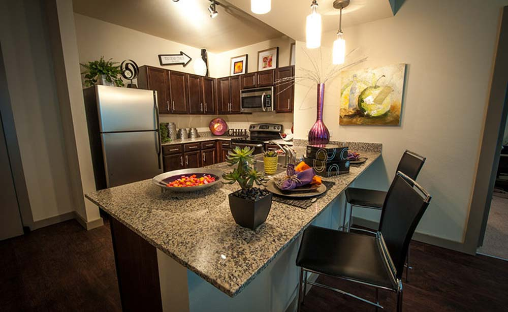 University-House-TCU-Fort-Worth-TX-Kitchen-With-Breakfast-Bar-Unilodgers