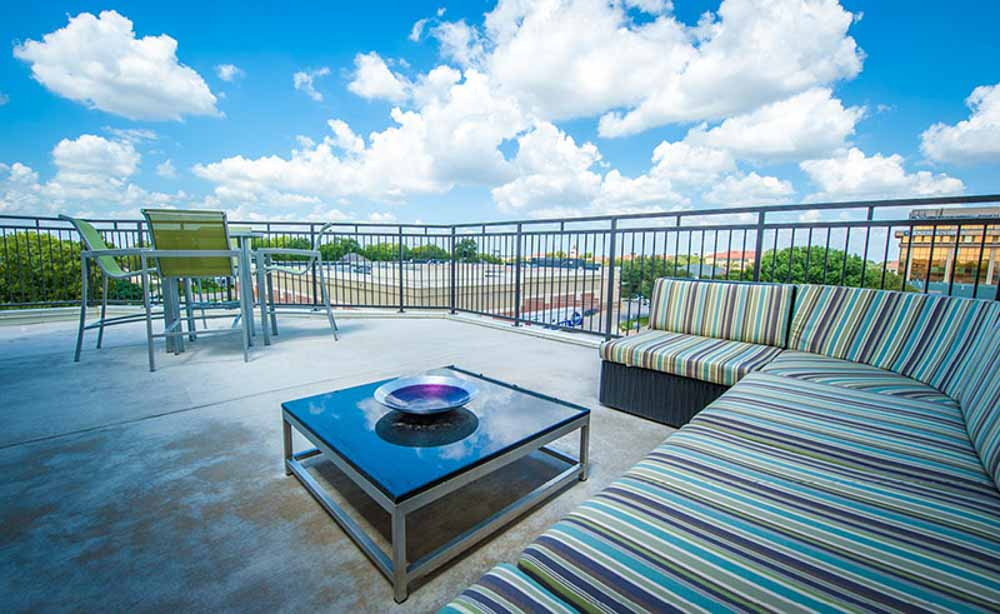 University-House-TCU-Fort-Worth-TX-Rooftop-Area-Unilodgers