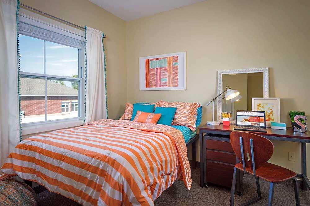 University-Village-Apartments-On-Colvin-Syracuse-NY-Bedroom-2-Unilodgers