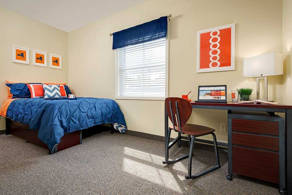 University-Village-Apartments-On-Colvin-Syracuse-NY-Bedroom-With-Study-Desk-Unilodgers