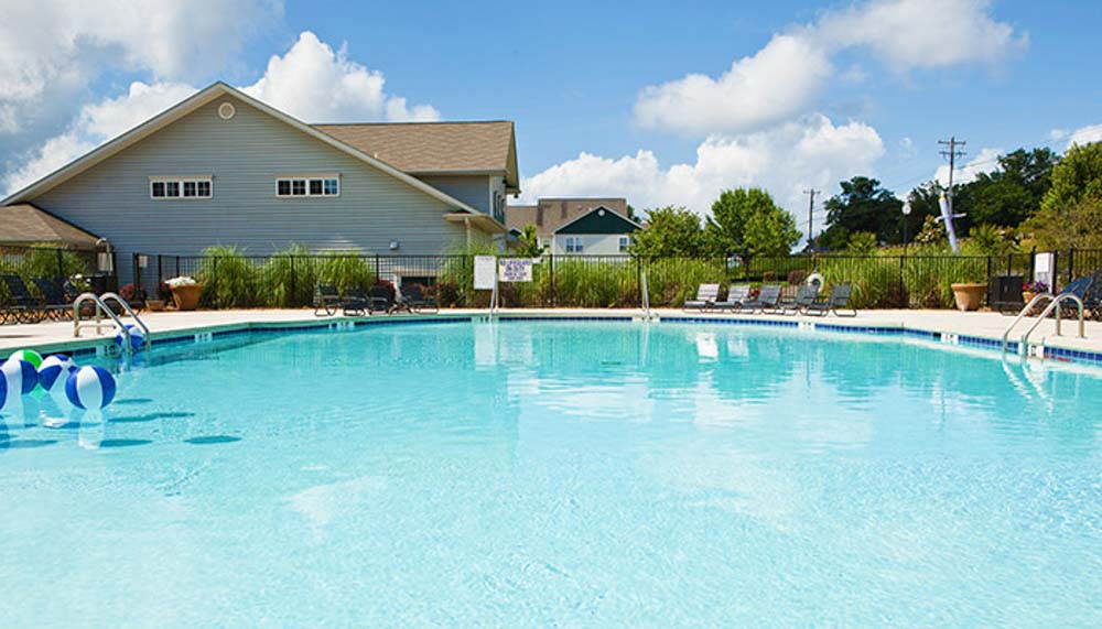 University-Village-At-Clemson-Central-SC-Swimming-Pool-Unilodgers