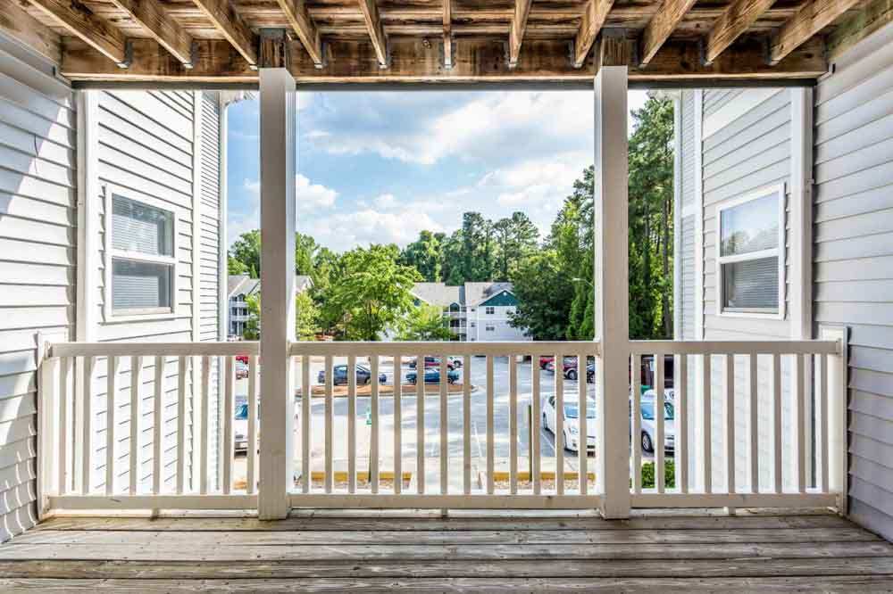 University-Woods-Raleigh-NC-Balcony-View-Unilodgers