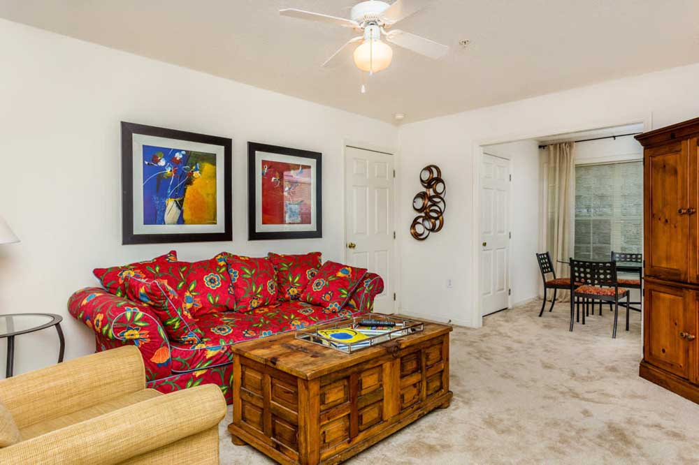 University-Woods-Raleigh-NC-Living-Area-Unilodgers