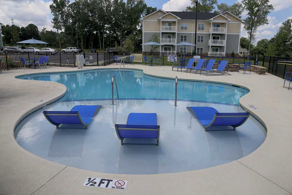 Valley-Falls-Spartanburg-SC-Swimming-Pool-Unilodgers