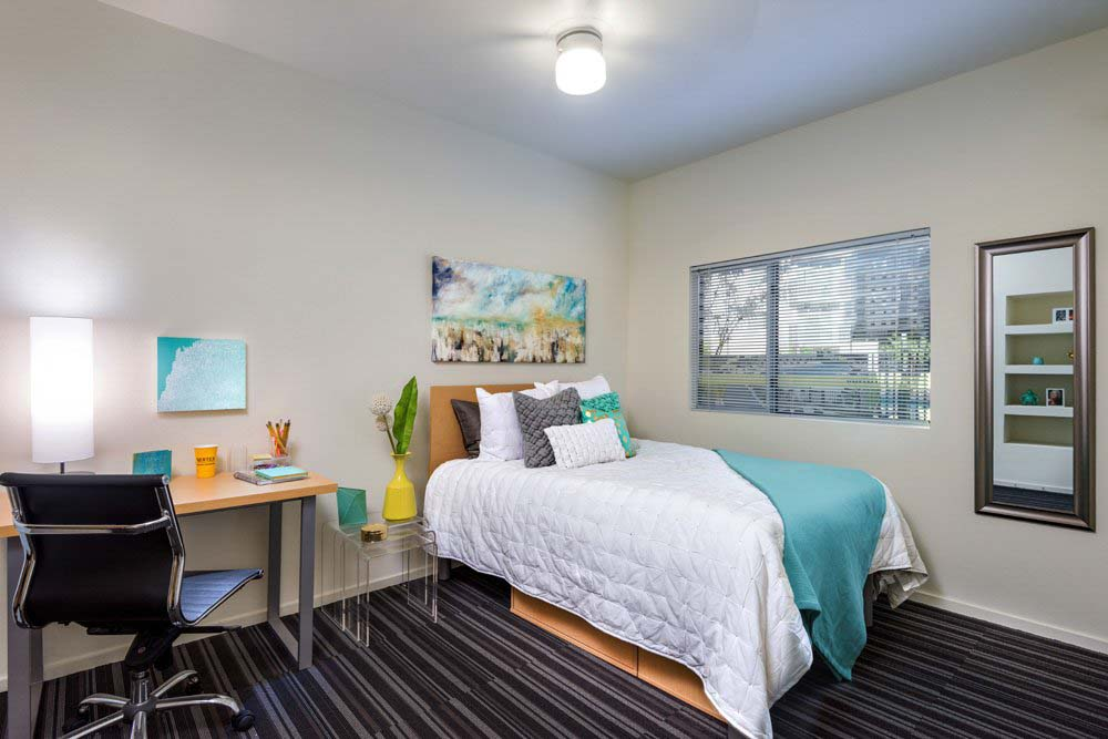 Vertex-Student-Apartments-Tempe-AZ-Bedroom-With-Study-Desk-And-Chair-Unilodgers