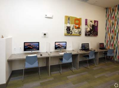 Village-West-west-Lafayette-In-Internet-cafe-Unilodgers