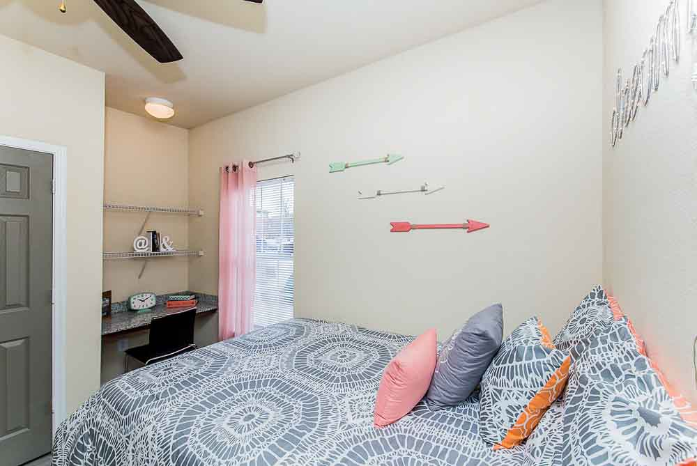 Villagio-San-Marcos-TX-Bedroom-Unilodgers