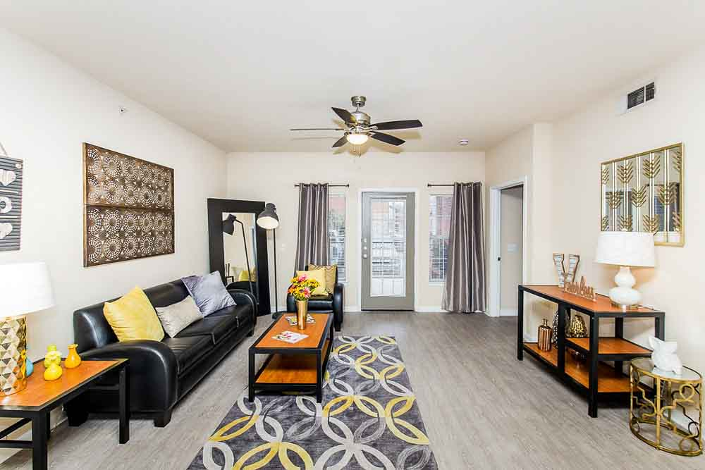 Villagio-San-Marcos-TX-Living-Room-Unilodgers
