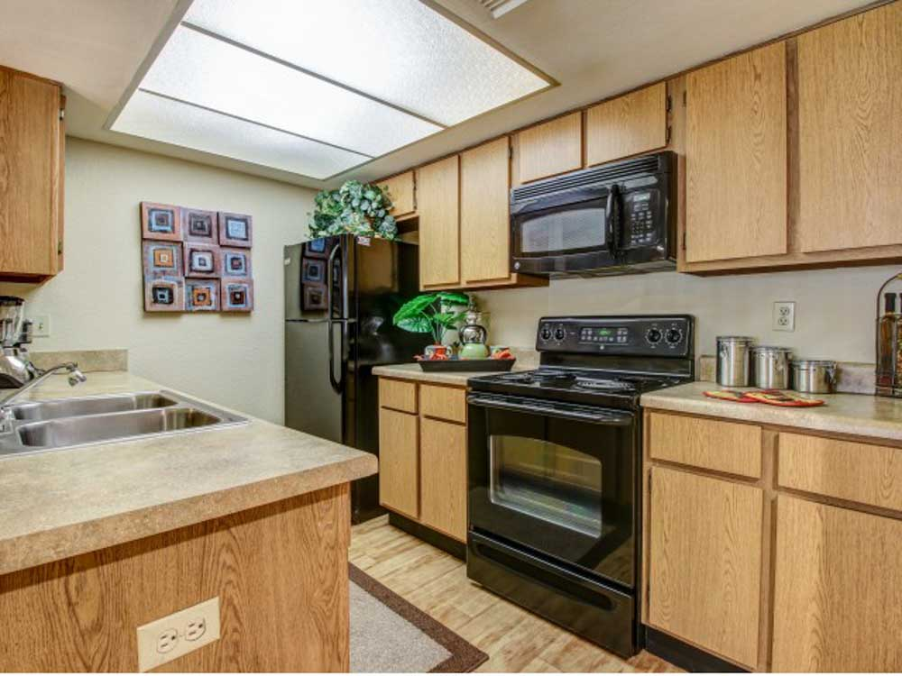 Villas-on-Apache-Tempe-AZ-Kitchen-Unilodgers