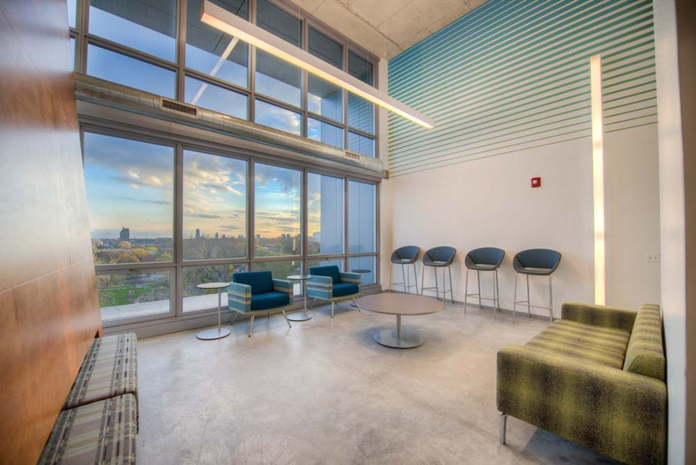 Vue53-Chicago-IL-Common-Room-With-View-Unilodgers