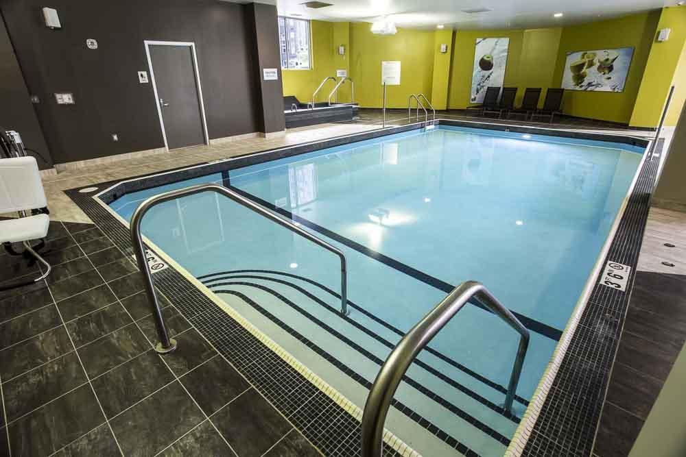 WaHu-Student-Living-Minneapolis-MN-Pool-Unilodgers