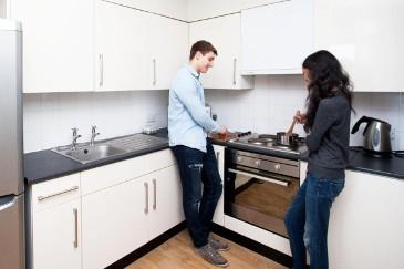 Waverley-House-Bristol-Kitchen-Unilodgers