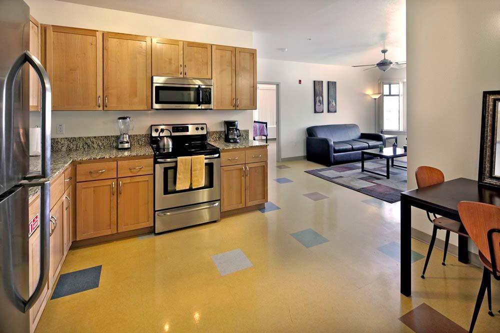 Wesley-House-Berkeley-CA-Kitchen-Unilodgers