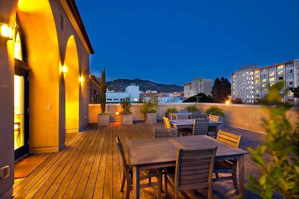 Wesley-House-Berkeley-CA-Rooftop-Terrace-Unilodgers