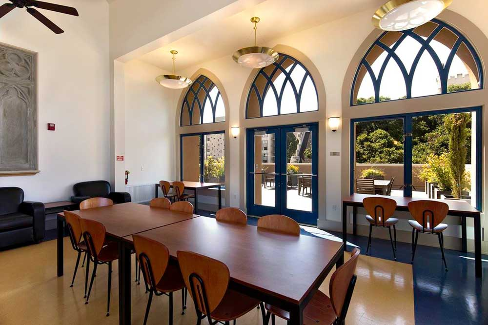 Wesley-House-Berkeley-CA-Study-Lounge-Unilodgers