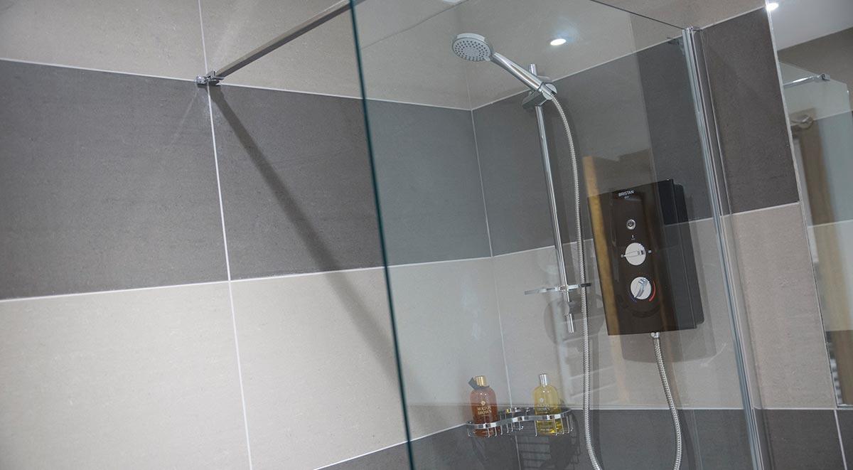 West-Drayton-Maksons-House-London-Bathroom-Unilodgers