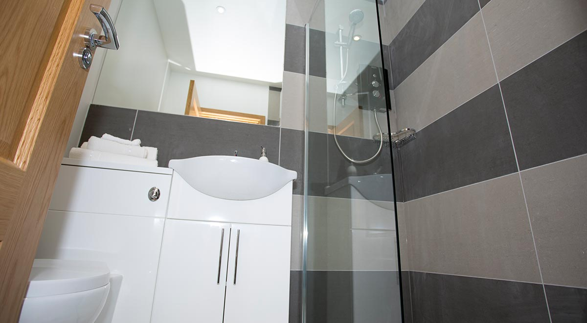 West-Drayton-Maksons-House-London-Studio-Bathroom-1-Unilodgers